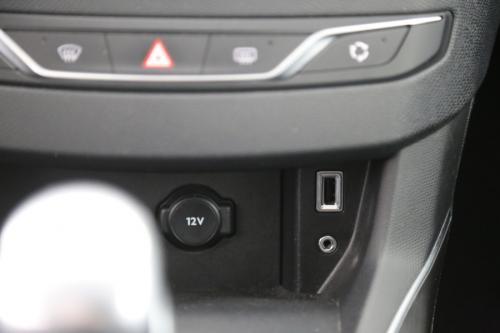 PEUGEOT 308 2.0 HDI + GPS + LED + PDC + AIRCO + ALU 16