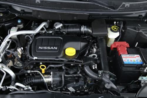 NISSAN Qashqai N-CONNECTA 1.5 DCI + GPS + PDC + CAMERA + PANO DAK + ALU18