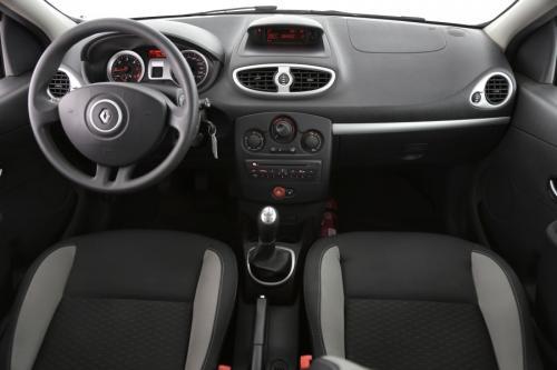 RENAULT Clio 1.5 DCI + ALU + PDC + AIRCO + RADIO/CD