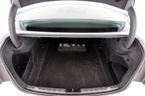 BMW M4 + M CARBON CERAMIC BRAKES + ALU 19 + GPS + 10.854 KM