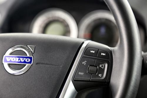 VOLVO V70 2.0 D3 MOMENTUM +  GPS + LEDER + CRUISE + TREKHAAK