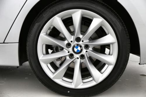 BMW 330 e Plug-in Hybrid + GPS + LEDER + H/K AUDIO + SCHUIFDAK