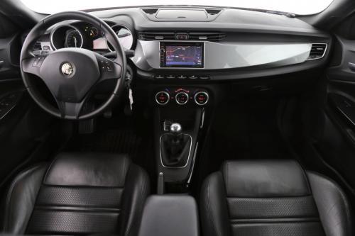 ALFA ROMEO Giulietta DISTINCTIVE 1.6 JTDM + GPS + LEDER + AIRCO+PDC