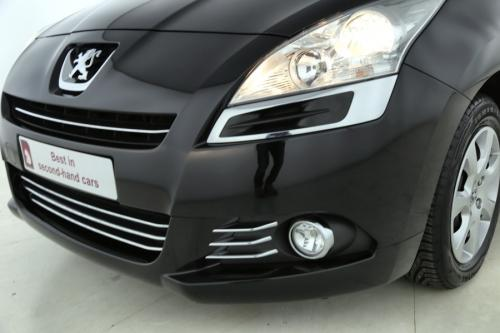 PEUGEOT 5008 1.6 HDI +  CRUISE + PDC + AIRCO