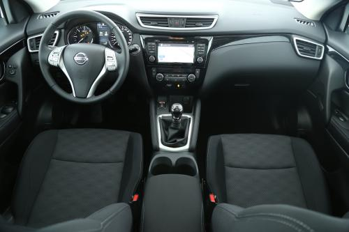 NISSAN Qashqai 1.5 DCI  CONNECT EDITION + DESIGN PACK + GPS + PANO + ALU