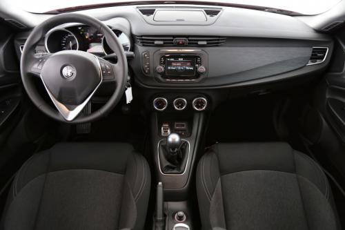 ALFA ROMEO Giulietta 1.4 TURBO + ALU 16 + PDC + AIRCO
