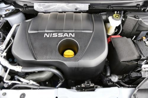 NISSAN Qashqai 1.2 DIG-T + AIRCO + GPS + CRUISE + AVM + PDC + PANO