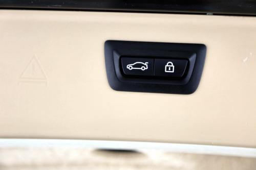 BMW 528 iA TOURING X-DRIVE + GPS + LEDER + CAMERA + XENON