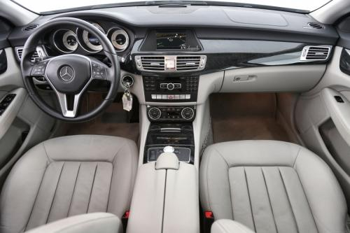 MERCEDES-BENZ CLS 220 CDI + AUTOMAAT + GPS + LEDER + CRUISE + PDC