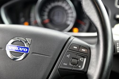 VOLVO V40 KINETIC 1.6 D2 + GPS + CRUISE + AIRCO + PDC + ALU 16