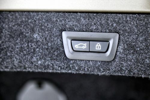 BMW 530 iA LIMOUSINE  M-SPORTSTUUR  + GPS + LEDER + CAMERA+ BOWERS & WILKINS + PDC