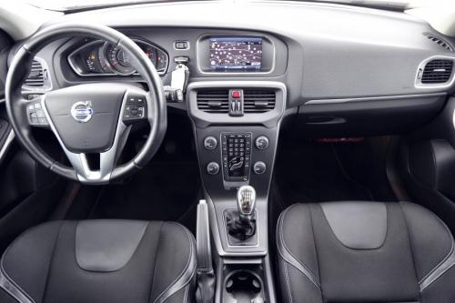 VOLVO V40 MOMENTUM 1.6 D2 + GPS + CRUISE + TREKHAAK + PDC