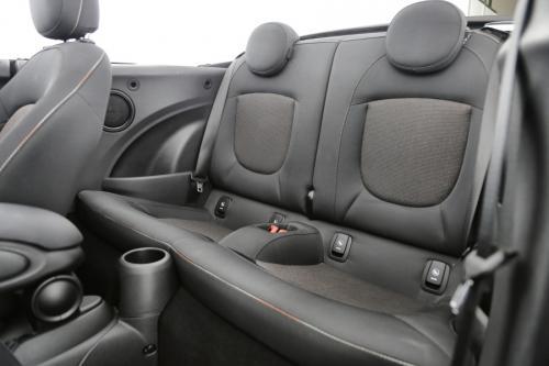 MINI Cooper Cabrio 1.5 I + GPS + AIRCO + CRUISE + PDC + ALU 16