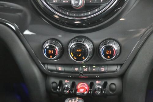 MINI Cooper D Countryman PEPPER + A/T + GPS + CRUISE + PDC + ALU 17