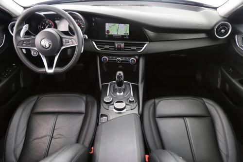 ALFA ROMEO Giulia 2.2 JTDM + AUTOMAAT + GPS + LEDER + PDC + ALU 17