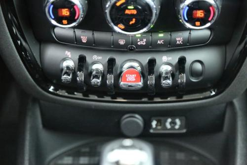 MINI Cooper Clubman 1.5 i + GPS +  CRUISE + PDC + ALU 17 + 5.268 KM