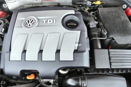VOLKSWAGEN Beetle DESIGN 1.6 TDI COUPE +GPS + AIRCO+ CRUISE + PDC