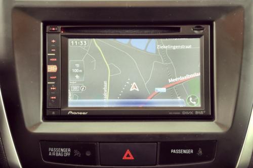 PEUGEOT 4008 ALLURE 1.6 HDI + GPS +LEDER + CRUISE + PDC + TREKHAAK