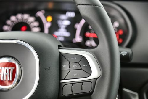 FIAT Tipo 1.4 i LOUNGE + GPS + AIRCO + CRUISE + PDC + ALU 16 + 10 KM