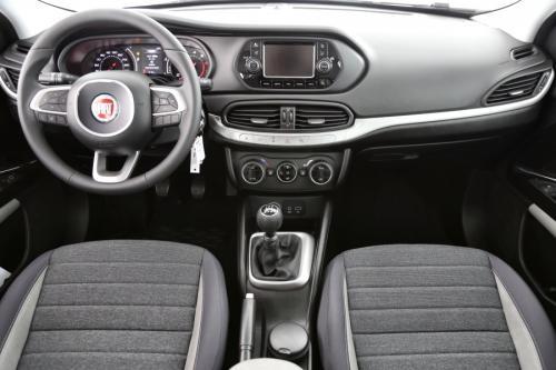 FIAT Tipo 1.4 I LOUNGE + GPS + AIRCO + CRUISE + PDC + ALU 17