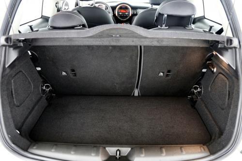 MINI One 1.2I + PDC + ALU + USB + BLUETOOTH + HEATED SEATS