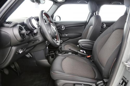 MINI Cooper 1.5i + GPS + AIRCO + PDC + ALU