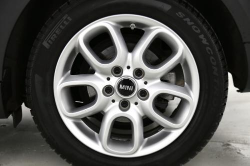 MINI Cooper 1.5i + GPS + PDC + ALU + AIRCO