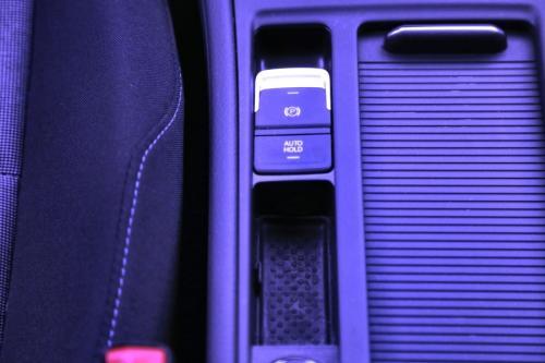 VOLKSWAGEN Golf TRENDLINE 1.6 CRTDI  + GPS  + CRUISE + PDC + ALU 16