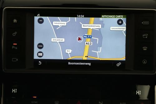 JAGUAR XE R-SPORT 2.0 D + GPS + CRUISE + PDC + CAMERA + TREKHAAK