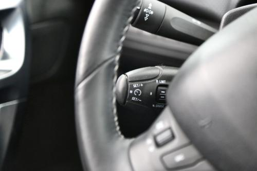 PEUGEOT 2008 ALLURE 1.6 E-HDI + GPS +LEDER +CRUISE + PDC + PANO DAK