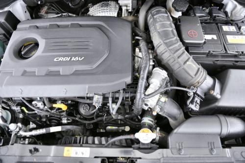 HYUNDAI i30 POP ISG  1.6 CRDI + GPS + AIRCO + CRUISE + PDC + CAMERA