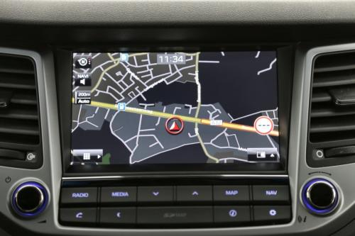HYUNDAI Tucson 1.7 CRDI + A/T + GPS +LEDER +CRUISE +CAMERA + ALU 19