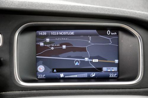 VOLVO V40 KINETIC 1.6 D2 + LEDER + GPS + AIRCO + PDC + ALU 16