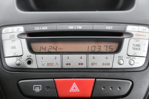 TOYOTA Aygo 1.0 BENZINE + RADIO/CD
