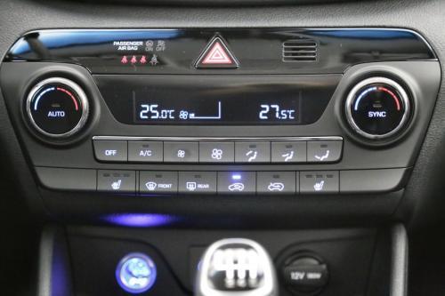HYUNDAI Tucson PREMIUM 1.6 GDI + GPS + AIRCO + CRUISE + PDC + ALU 17