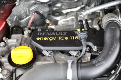 RENAULT Megane 1.2 i + GPS + AIRCO + PANO DAK + PDC + ALU 16