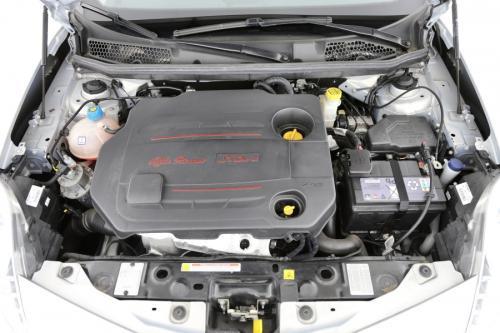 ALFA ROMEO Giulietta 2.0 JTDM + LEDER + GPS + AIRCO + PDC + ALU 16