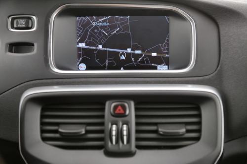 VOLVO V40 SUMMUM 1.6 D2 + GPS + LEDER + AIRCO + PANO + PDC + ALU 17