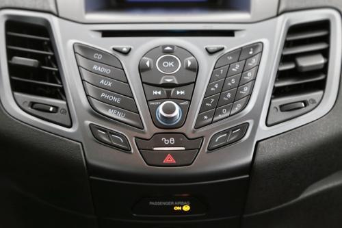 FORD Fiesta 1.2 BENZINE + AIRCO + RADIO / CD