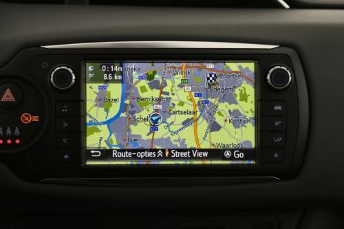 TOYOTA Yaris DYNAMIC 1.5 VVT-I HYBRID + A/T+ GPS + AIRCO + CAMERA