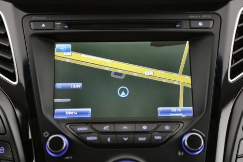 HYUNDAI i40  LOUNGE  1.7 CRDI + GPS + LEDER + CAMERA + PDC