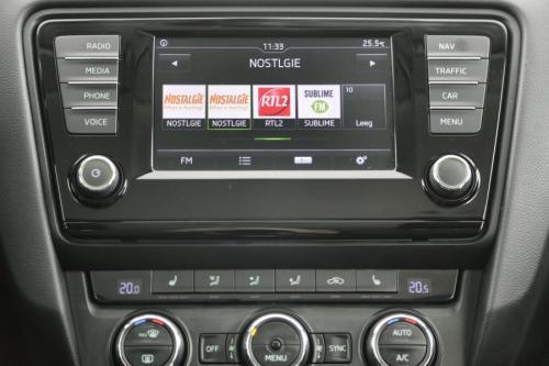 SKODA Octavia SW 1.2i  + A/T + GPS + AIRCO + CRUISE + PDC + ALU 16