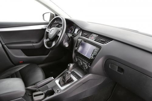 SKODA Octavia COMBI GREENTEC 2.0 TDI + A/T + GPS + LEDER + PANO DAK