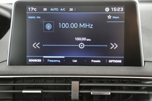 PEUGEOT 3008 1.2 ACTIVE PLUS A/T +GPS APP CONNECT +PDC +ALU 18