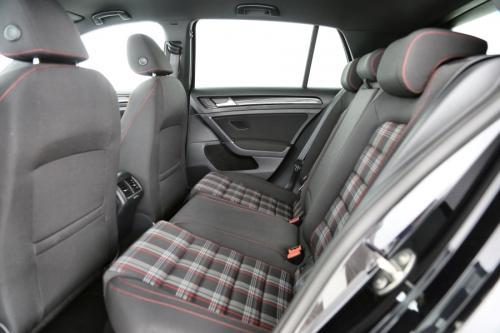 VOLKSWAGEN Golf GTI 2.0 TSI + GPS + CAMERA + PDC + XENON + ALU 18