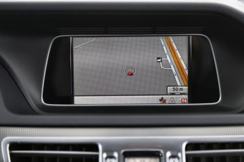 MERCEDES-BENZ E 220 BREAK AVANTGARDE CDI +A/T + GPS + LEDER +PDC
