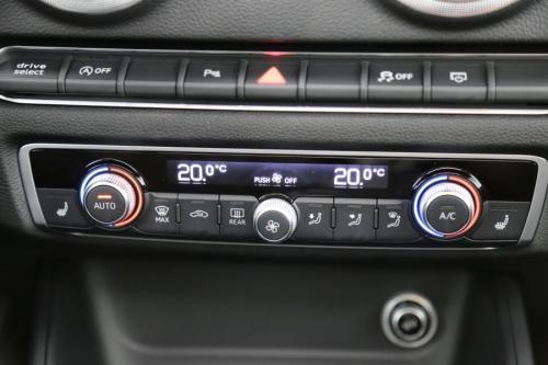 AUDI A3 LIMOUSINE SPORT 1.6 TDI +S-TRONIC +GPS + PDC +ALU 17+ XENON