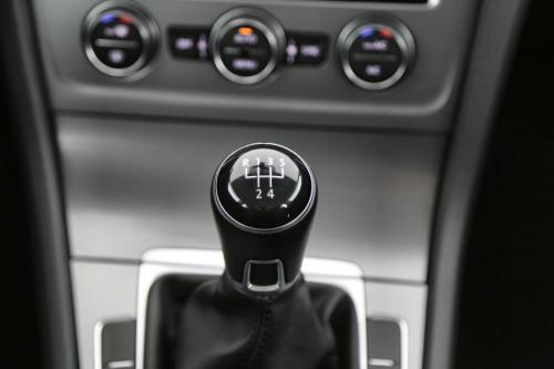 VOLKSWAGEN Golf 1.6 TDI TRENDLINE + GPS + CRUISE + PDC + ALU
