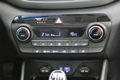 HYUNDAI Tucson 1.6 T-GDI PREMIUM + LEDER + GPS + CAMERA + ALU 17