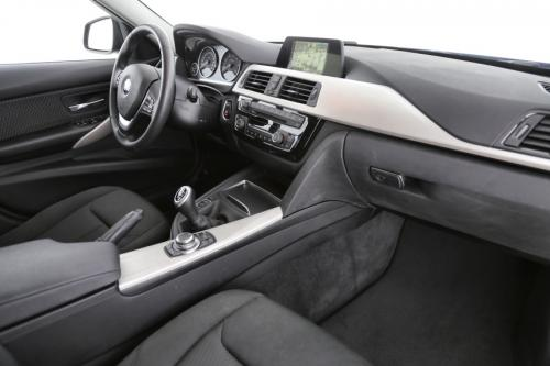 BMW 318 d Touring  | LED | Camera | PDC | Roof Rails | Sports Leather Steering Wheel